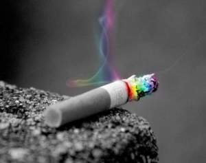 renkli-sigara-dumani-colored-cigarette-smoke-rainbow (7)